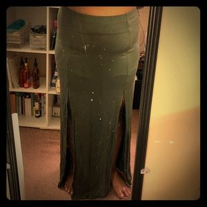 NWT FOREVER21 Plus size 2X olive maxi skirt